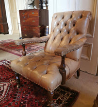 Load image into Gallery viewer, Lovely, early 20th century leather chair