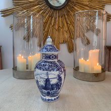 Load image into Gallery viewer, Delft urn with lid