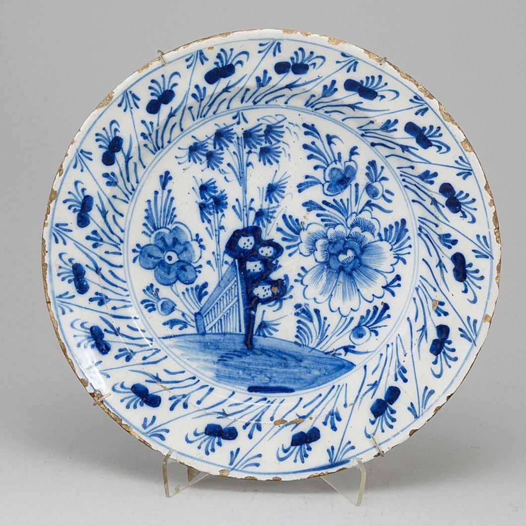 18th century Chinoiserie faience dish