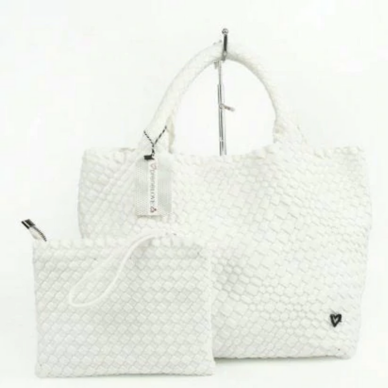 SOFT CRYSTAL ENVELOPE CLUTCH