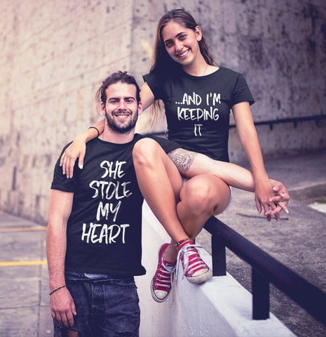 OMSJ New She Stole My Heart ...And I'm Keeping It Short Sleeve T-Shirt Valentine Funny Couples T Shirt Matching Couple Clothing T Shirt Couple Mon Mini Moi