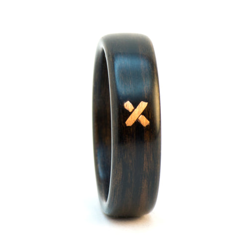 Ebony wood wedding ring with a copper stitch by Ebeniste