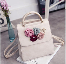 PU Leather Women Backpack Female Style Trend Three-dimensional Flower Shoulder Bag Women's Backpack -vn