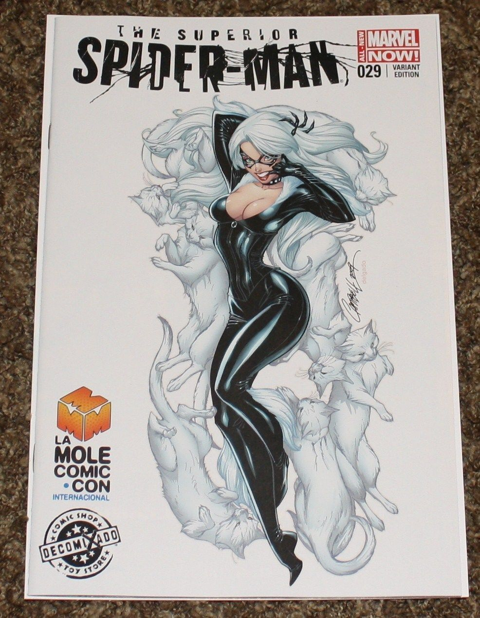 AMAZING SPIDER-MAN #29 J. SCOTT CAMPBELL BLACK CAT EXCLUSIVE LA MOLE CONVENTION VARIANT VIRGIN VARIANT Marvel Comics Spider-man Venom East Side Comics CGC