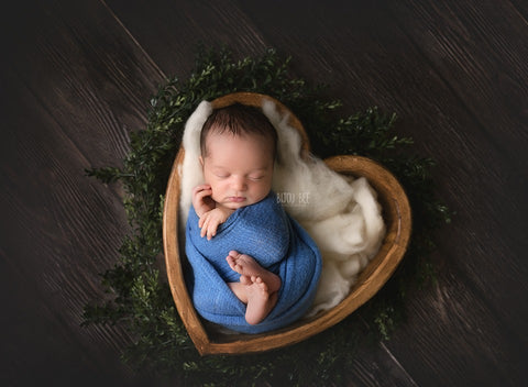 Natural Wooden Heart Bowl - Wooden Photo Props - Newborn Photo Props Canada - Tiny Tot Prop Shop