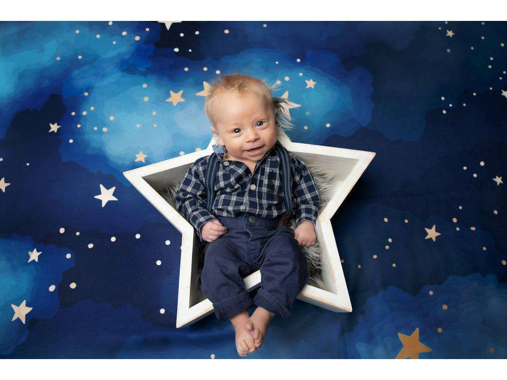 Rustic Star Shaped Bowl - Wooden Photo Props - Newborn Photo Props Canada - Tiny Tot Prop Shop