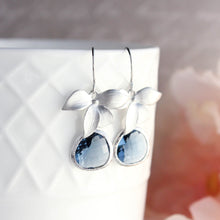 Load image into Gallery viewer, Navy Blue and Silver Earrings