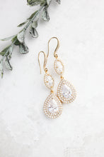 Load image into Gallery viewer, Gold Sparkly Bridal Earrings