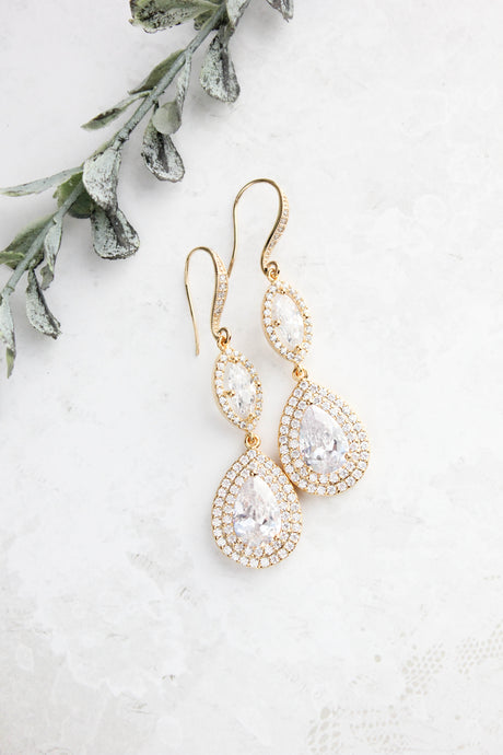 Gold Sparkly Bridal Earrings NEW