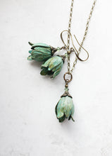 Load image into Gallery viewer, Tulip Necklace - Verdigris Patina