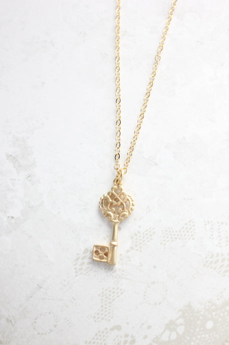 Dainty Skeleton Key Necklace