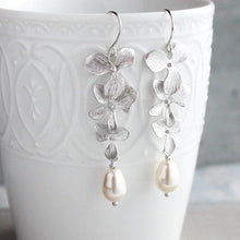 Load image into Gallery viewer, Cascading Orchid Earrings - Gold