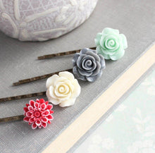 Load image into Gallery viewer, Flower Bobby Pins - BP1005