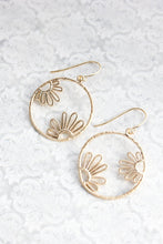 Load image into Gallery viewer, Daisy Circle Earrings - Silver