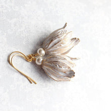 Load image into Gallery viewer, Shabby White Tulip Earrings