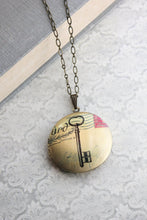 Load image into Gallery viewer, Skeleton Key Photo Locket