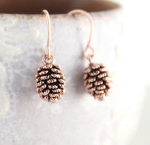 Load image into Gallery viewer, Rose Gold Pinecone