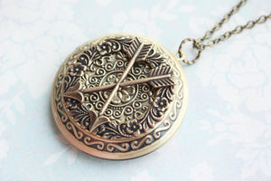 Best Friend Locket - Crossed Arrows