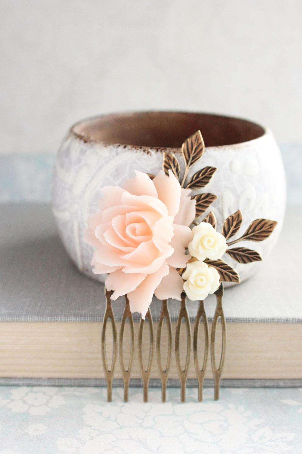 Pale Peach Blush Rose Comb - C1016