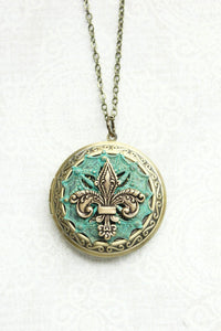 Fluer de lis Locket Necklace