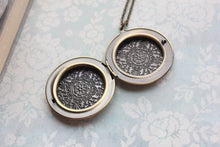 Load image into Gallery viewer, Fluer de lis Locket Necklace