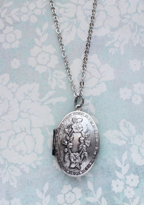 Floral Oval Locket Necklace