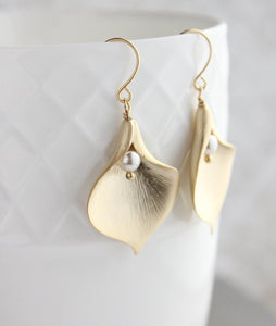 Calla Lily Earrings - Gold