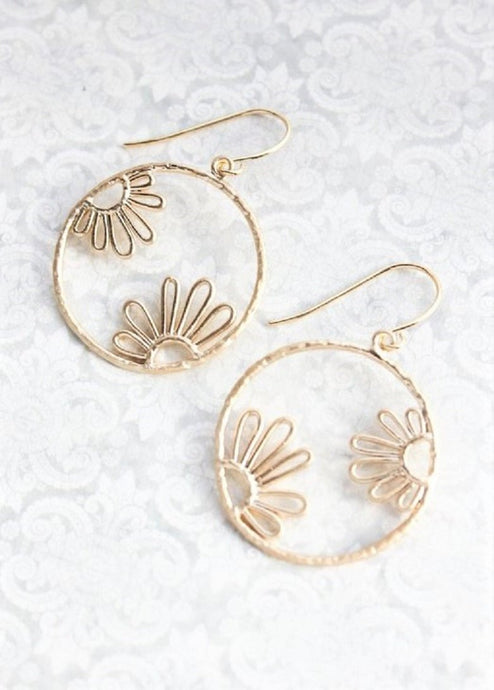 Daisy Circle Earrings - Gold