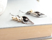Load image into Gallery viewer, Calla Lily Earrings