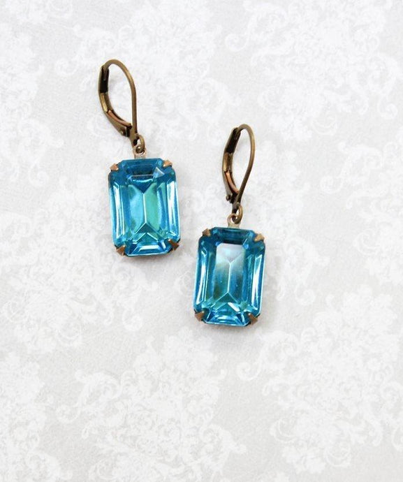 Vintage Glass Earrings - Aqua Blue Jewel