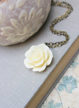 Load image into Gallery viewer, Cream Rose Necklace