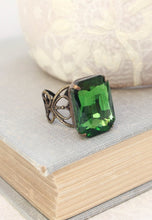 Load image into Gallery viewer, Green Glass Jewel Ring