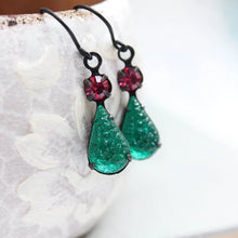 Load image into Gallery viewer, Emerald Vintage Glass Earrings