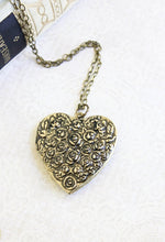 Load image into Gallery viewer, Large Heart Locket - Floral