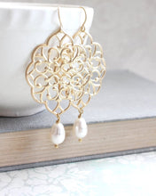 Load image into Gallery viewer, Gold Filigree Earrings (14 Pearl Colors)