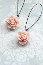 Load image into Gallery viewer, Light Pink Rose Earrings
