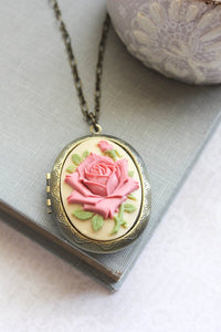 Big Cameo Locket - Pink Rose