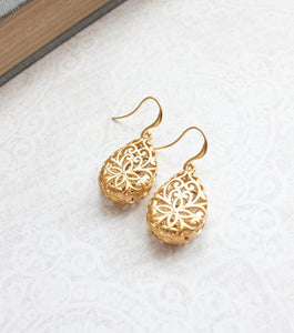Gold Teardrop Filigree Earrings