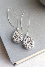 Load image into Gallery viewer, Long Silver Filigree Earrings