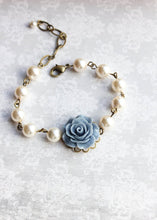 Load image into Gallery viewer, Bridemaids Bracelet - Roses and Pearls