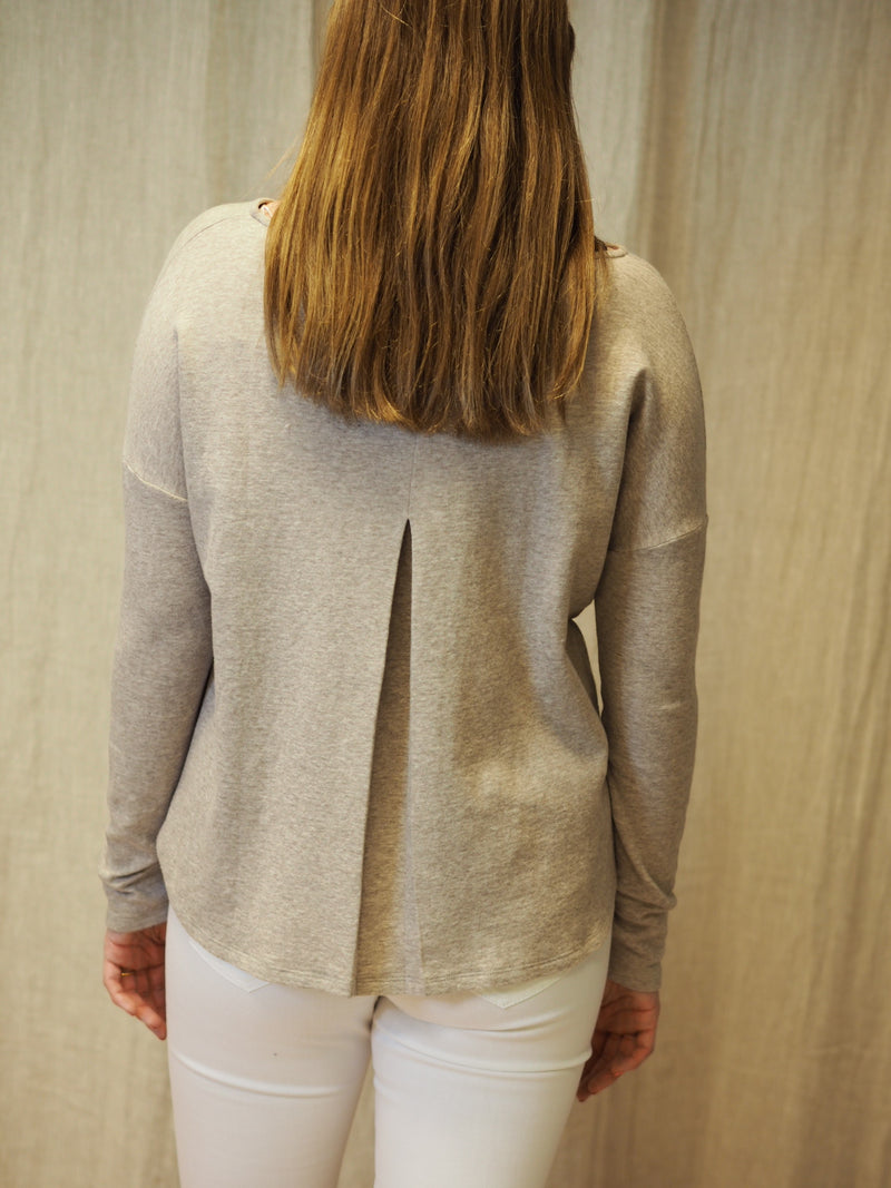 Juvia Cash Mix Sweater Pleat at CB