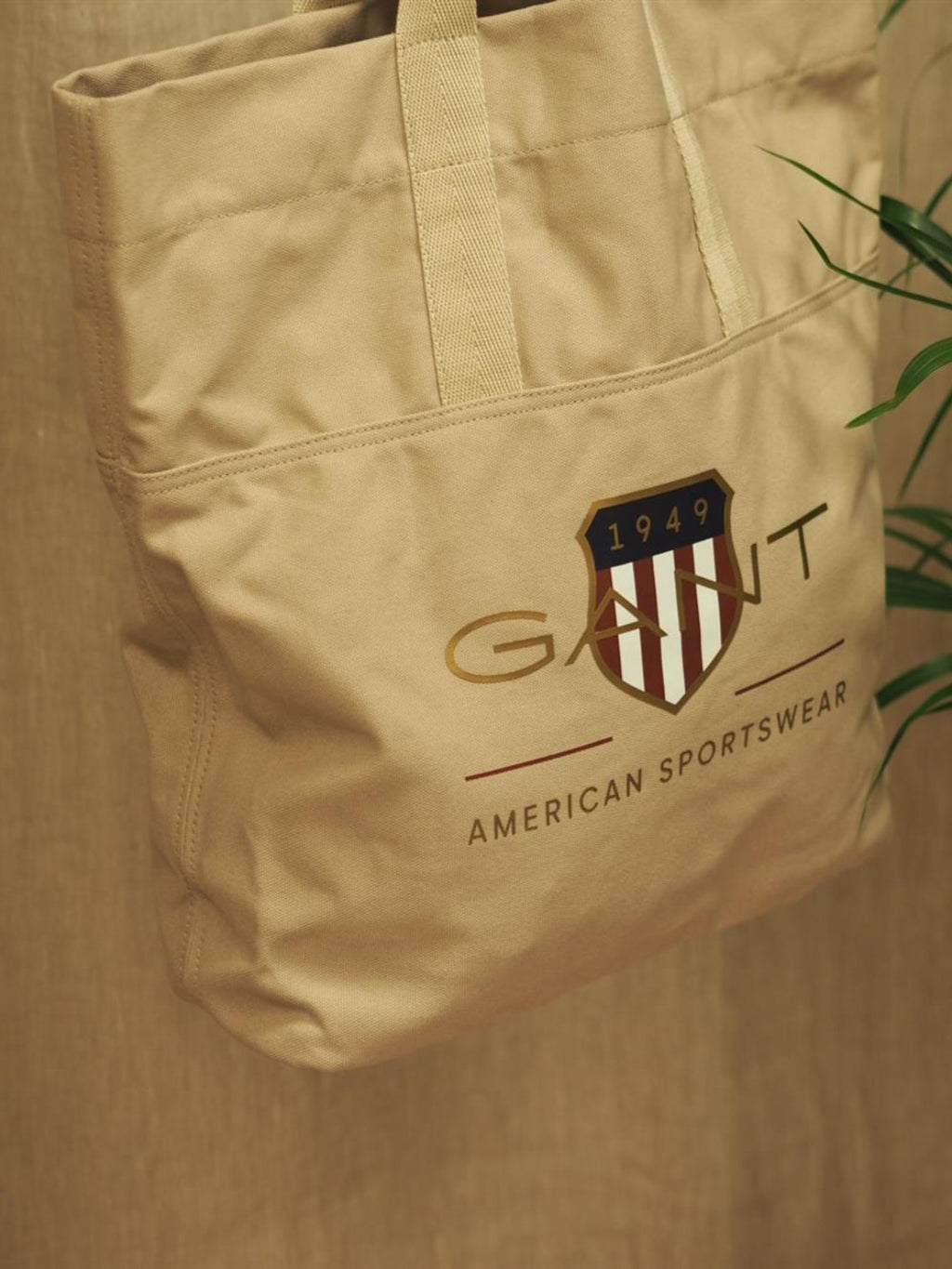 Gant D1 Archive shield tote
