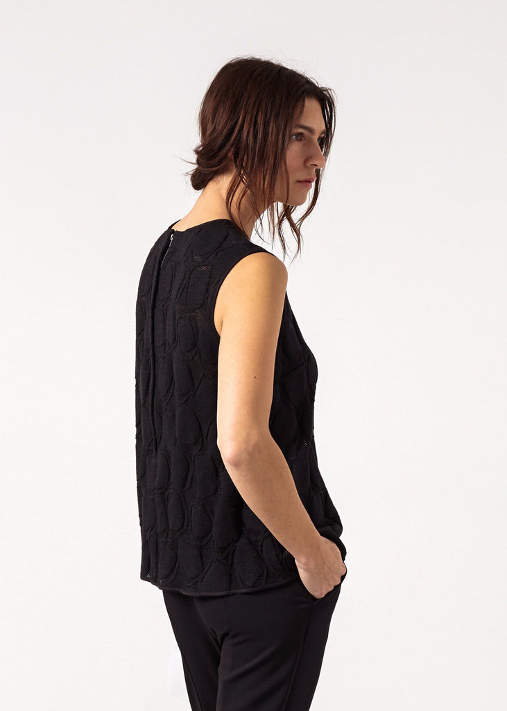 Zip Back Circle Blouse in Black