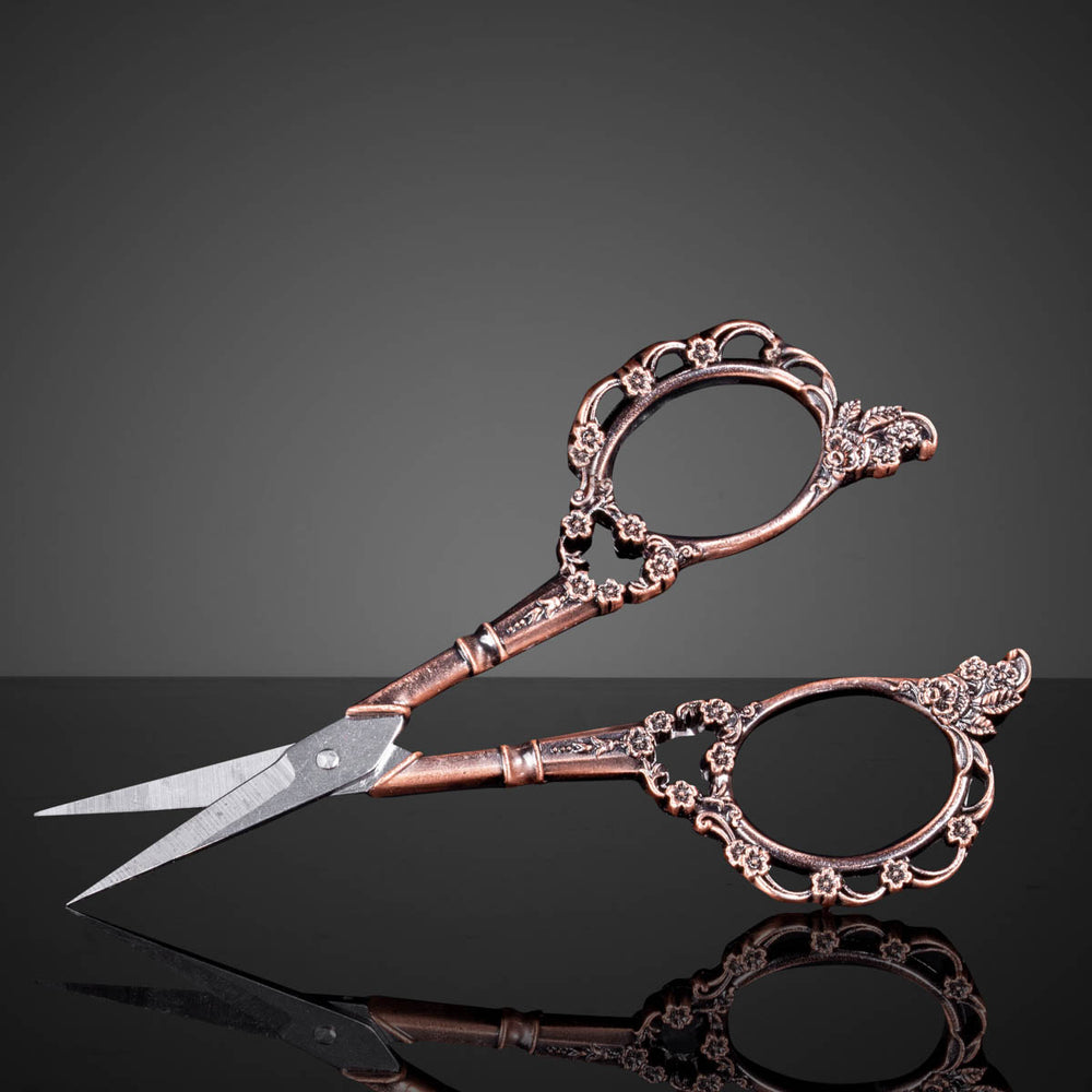 Antique nail art scissors - Copper