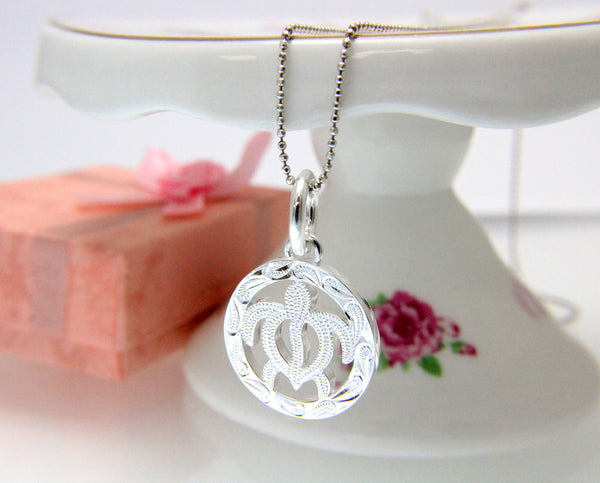 925 Sterling Silver Hawaiian Scroll Engraved Honu Turtle in Circle Pendant Charm