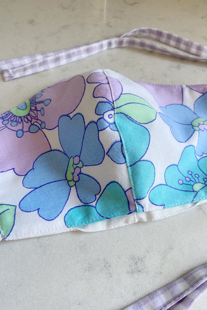 Double layered vintage cotton face mask with pocket- lilac floral