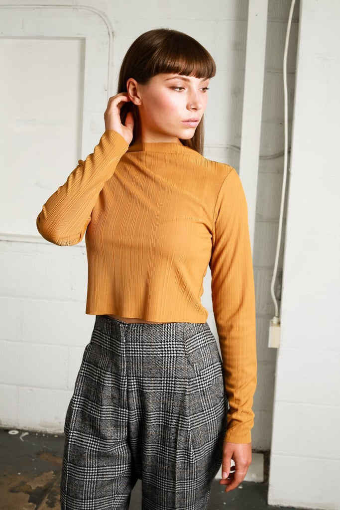 Studio cropped top in mustard