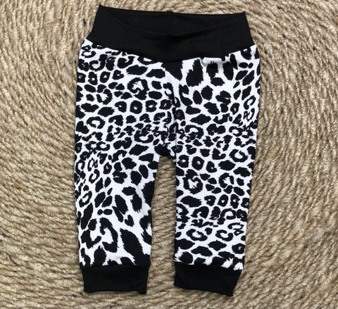 Snow cheetah joggers - Rise and Redemption
