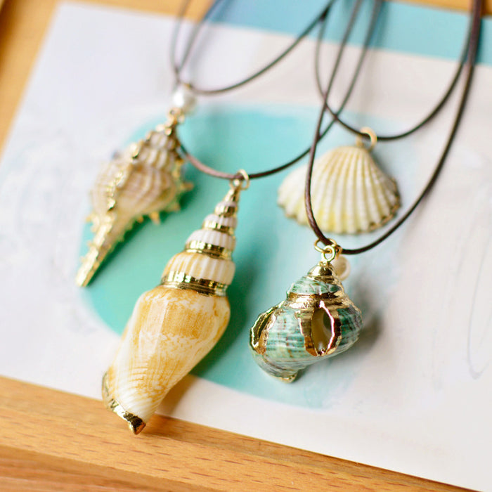 Necklace: Shell
