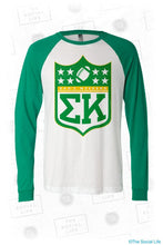 Load image into Gallery viewer, 2017 Sigma Kappa Dad's Weekend Shirt (Oregon)